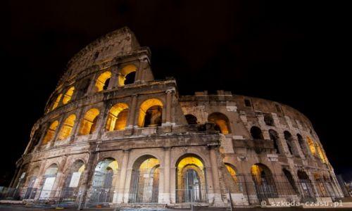 WłOCHY / Rzym / Koloseum / Rzym Koloseum Nocą 2