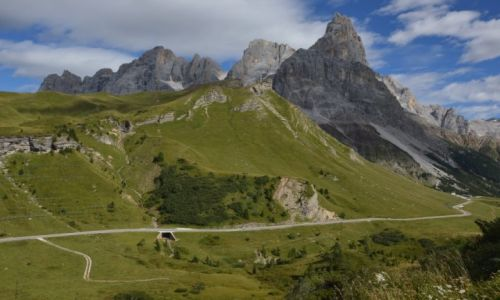 Zdjecie WłOCHY / Dolomity / Passo di Valles / góry