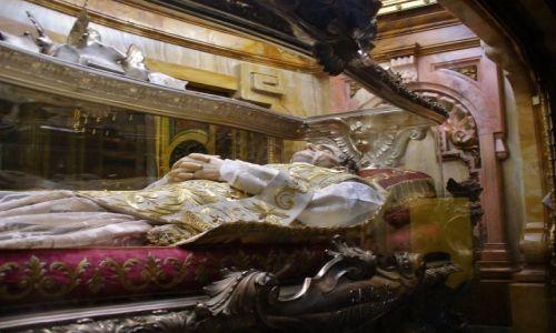 Zdjęcie WłOCHY / Piemont / Turyn / Turyn, grób św. Jana Bosco