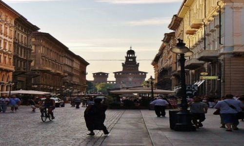 Zdjęcie WłOCHY / Lombardia / Mediolan / Mediolan, Via Dante