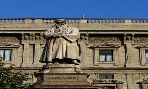 Zdjęcie WłOCHY / Lombardia / Mediolan / Mediolan, pomnik Leonardo