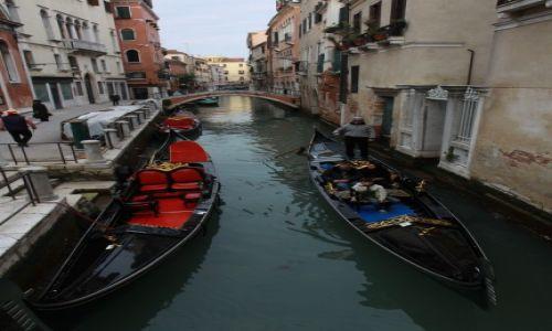 Zdjecie WłOCHY / płn. Włochy / Wenecja / Gondole..