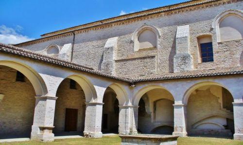 Zdjęcie WłOCHY / Umbria / Gubbio / Gubbio, klasztor franciszkański