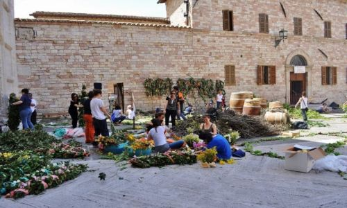 Zdjęcie WłOCHY / Umbria / Asyż / Asyż, przygotowanie do święta miasta