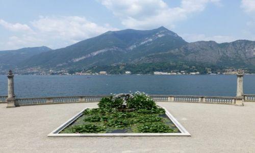 Zdjęcie WłOCHY / Lobmardia / Jezioro Como- Bellagio /  widok z tarasu  na Jezioro Como
