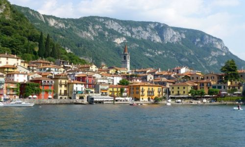 Zdjęcie WłOCHY / Lombardia / Jezioro Como /  widok na nabrzeże w Varennie