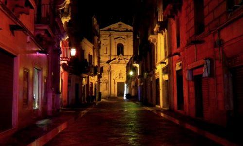 Zdjecie WłOCHY / Puglia / Lecce / Noc w kolorze