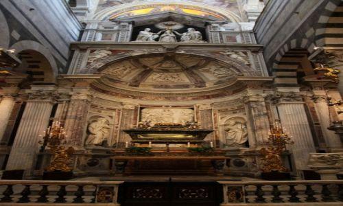 Zdjęcie WłOCHY / Toskania / Piza / Katedra Santa Maria Assunta - ołtarz boczny