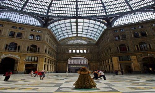 Zdjęcie WłOCHY / Kampania / Neapol / Neapol, Galeria Umberto I