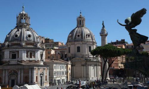 Zdjecie WłOCHY / Rzym / Piazza Venezia (Plac Wenecki) / Pod okiem aniołów