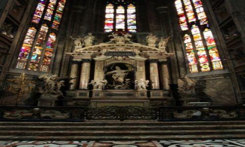 Zdjecie WłOCHY / Lombardia / Katedra Narodzin Św. Marii w Mediolanie / Ołtarz