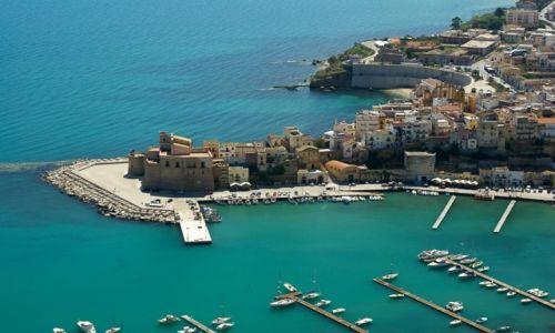 Zdjecie WłOCHY / Sycylia / Castellammare del Golfo / W zatoce
