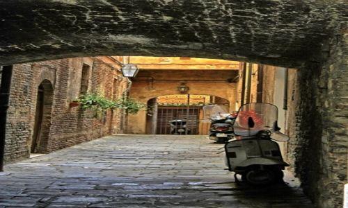 Zdjęcie WłOCHY / Toskania / Arezzo / jednoślady