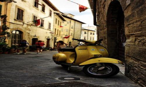 Zdjęcie WłOCHY / Toskania / Arezzo / vespa aaa