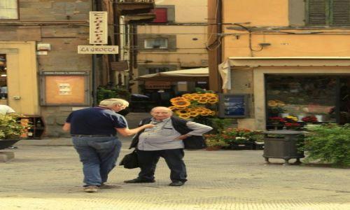 Zdjęcie WłOCHY / Toskania / Cortona / konwersacja