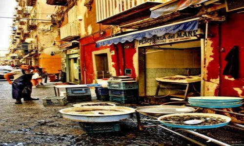 Zdjęcie WłOCHY / Kampania /  Neapol / sklep rybny