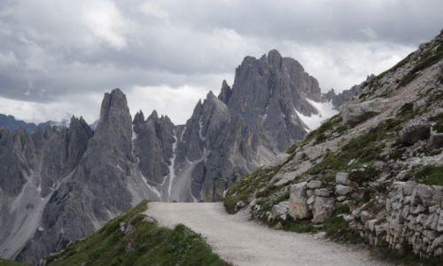 Zdjecie WłOCHY / Dolomity / Tre Cime di Lavaredo / Przed siebie...
