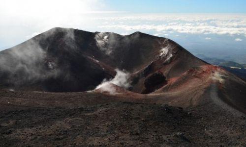 Zdjecie WłOCHY / Sycylia / Etna / Jeden z kraterów Etny