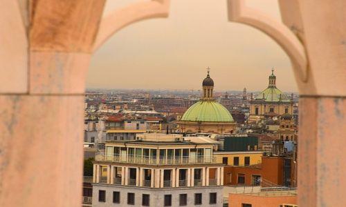 Zdjecie WłOCHY / Włochy / Mediolan / Okno na Mediolan
