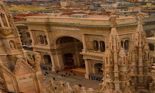 Zdjęcie WłOCHY / Włochy / Mediolan / Galleria Vittorio Emanuele II z góry