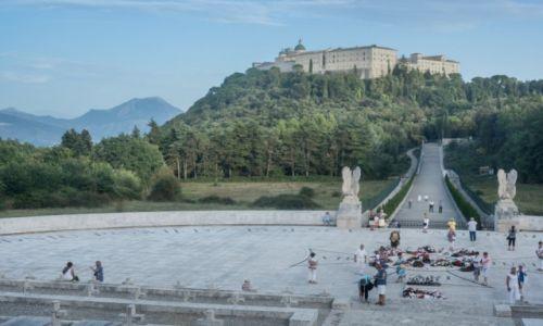 Zdjęcie WłOCHY / - / Monte Cassino / Klasztor