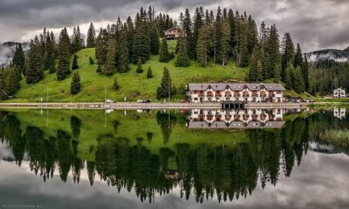 W�OCHY / Dolomity / Dolomity / jezioro Misurina