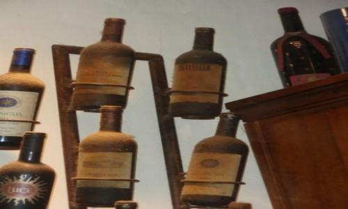 WłOCHY / Toskania / Winnica Biondi Santi / Stare roczniki