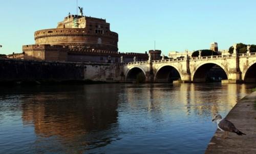 Zdjęcie WłOCHY / Rzym / Tybr / Most i zamek św. Anioła