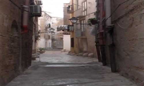 Zdjecie W�OCHY / Trapani-Sycylia / zau�ki starego miasta / Trapani