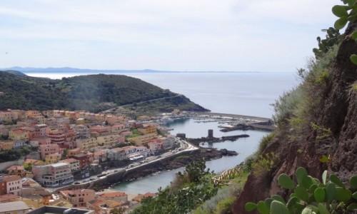 Zdj�cie W�OCHY / Sardynia / Castelsardo / CASTELSARDO - pere�ka Sardynii, widok na port