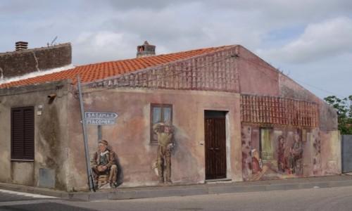 Zdjecie WłOCHY / Sardynia / Tinnura / TINNURA miasteczko murali