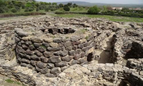 Zdj�cie W�OCHY / Sardynia / Barumini / NURAGHE SU NURAXI  - lista UNESCO