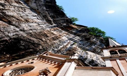 Zdjęcie WłOCHY / Monte Baldo / Madonna della Corona / W skale