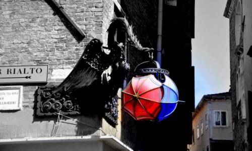 Zdjęcie WłOCHY / Wenecja / wenecja / parasolki