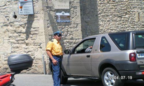 Zdjecie WłOCHY / Marche / Policjant / San Marino