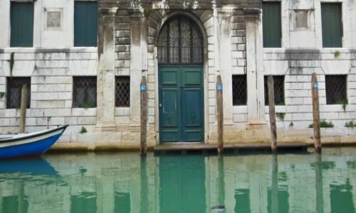 Zdjęcie WłOCHY / Wenecja Euganejska / Wenecja / Tajemnicze drzwi