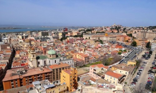 WłOCHY / Sardynia / stolica Sardynii / Spacer po Cagliari
