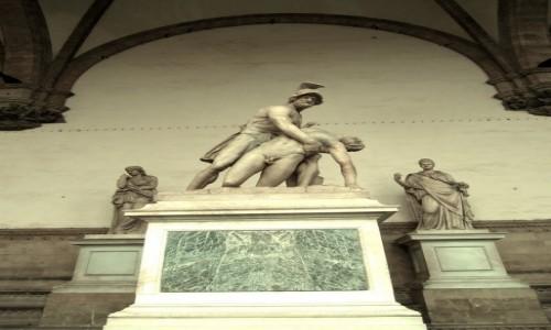 Zdjecie WłOCHY / Toskania / FLORENCJA / Rzeźba na Piazza della Signoria