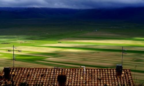 Zdjecie W�OCHY / Umbria / prowincja Perugia / Castelluccio