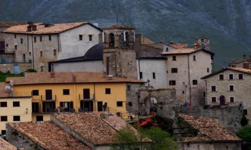 Zdjecie WłOCHY / Umbria / Castelluccio di Norcia / Umbryjskie miasteczko