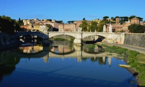 Zdjęcie WłOCHY / Lacjum / Rzym / poranny spacer