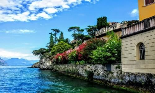 W�OCHY / Okolice Jeziora Garda / Jezioro Garda / Widok na jezioro z tarasu.