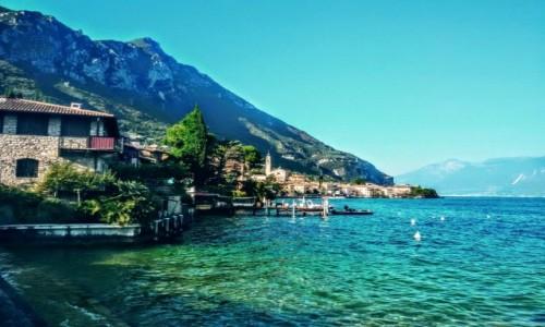 Zdjęcie WłOCHY / Nad jeziorem / Garda / Widok na nabrzeże i jezioro