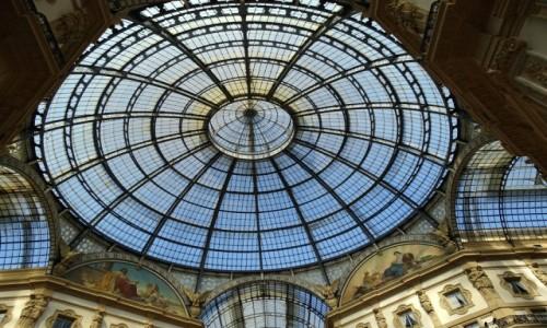 Zdjecie W�OCHY / Lombardia / Mediolan -  Galleria Vittorio Emanuele II / W eleganckim �w