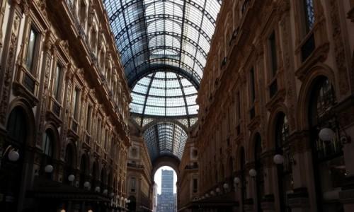 Zdjecie W�OCHY / - / Mediolan / Galleria Vittor
