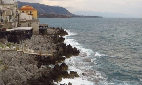 Zdjęcie WłOCHY / Sycylia / Cefalu / skaliste wybrzeże