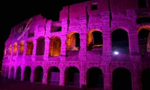Zdjęcie WłOCHY / Lacjum / Rzym / Różowe koloseum