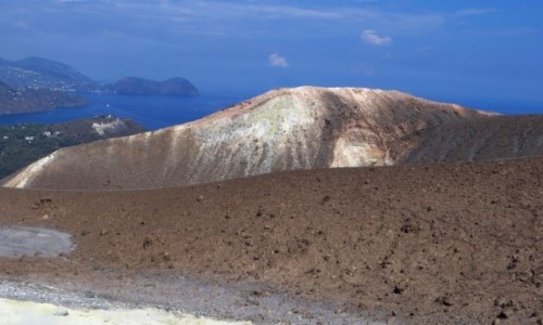 Zdjęcie WłOCHY / Wyspy Liparyjskie / Vulcano / panorama wyspy ze szczytu wulkanu