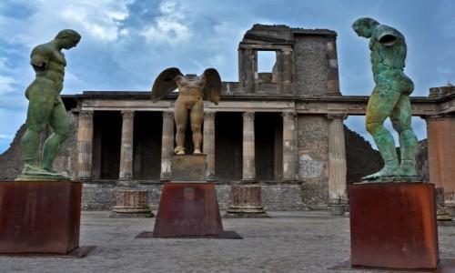 Zdjęcie WłOCHY / Okolice Neapolu / Pompeje / Mitoraj w Pompejach