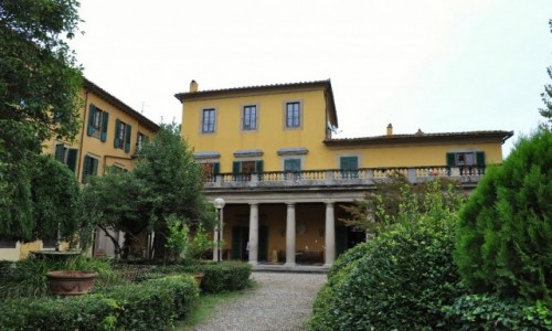 WłOCHY / Toskania / Florencja / Florencja, jedna z dawnych eleganckich willli toskańskich.